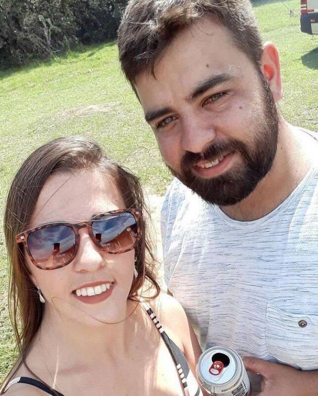 Maria Carolina Bitencourt, 29 anos, e Luiz Carlos Duarte, 31 anos, de Viamão<!-- NICAID(14793079) -->
