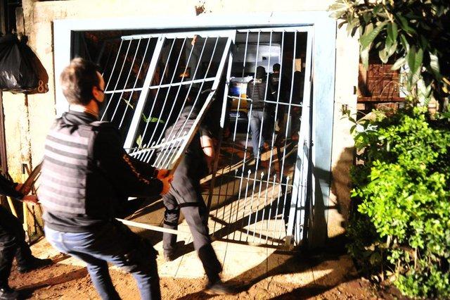 PORTO ALEGRE, RS, BRASIL,  10/06/2021- Operação policial em Viamão para prender traficantes que controlam 70 por cento do tráfico em Viamao. Foto: Ronaldo Bernardi / Agencia RBS<!-- NICAID(14805399) -->