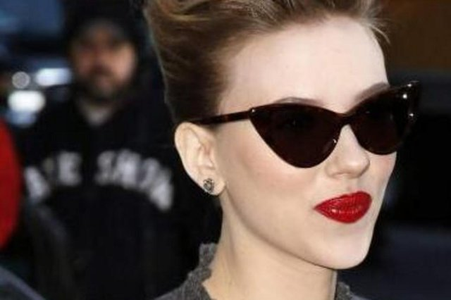 óculos gatinha<!-- NICAID(6428511) -->